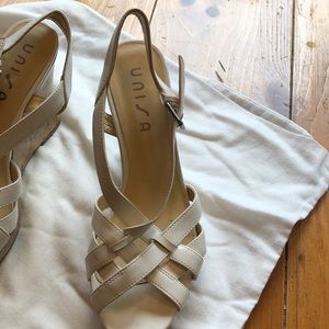 Pair of white wedges barely worn size 7 1/2 M